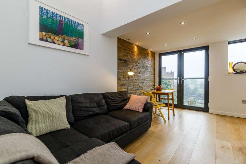 2 Bedrooms Flat for sale in Flat 4, 429 New Cross Road, London, SE14