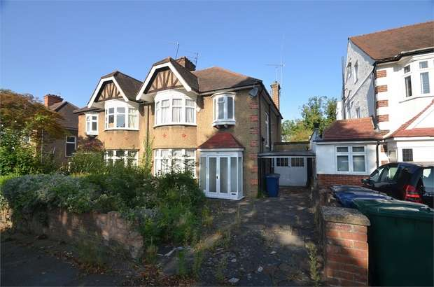 3 Bedrooms Semi Detached House for sale in Maxwelton Avenue, Mill Hill, NW7