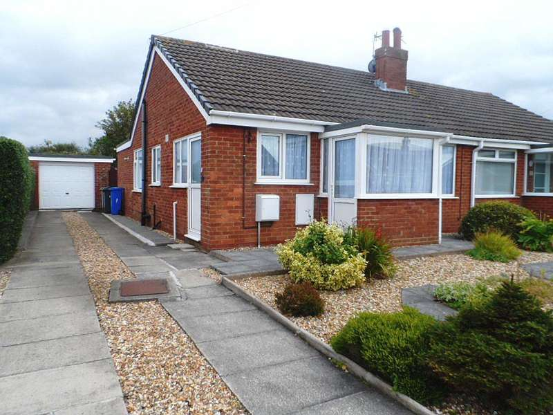 2 Bedrooms Property for sale in Derwent Close, Knott End On Sea, FY6 0QF