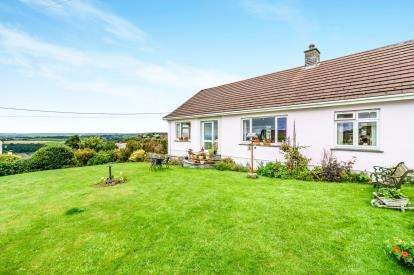 3 Bedrooms Bungalow for sale in St. Breward, Bodmin, Cornwall