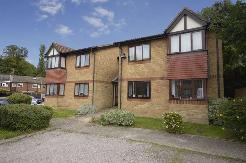 1 Bedroom Flat for sale in College Road, Abbots Langley, WD5