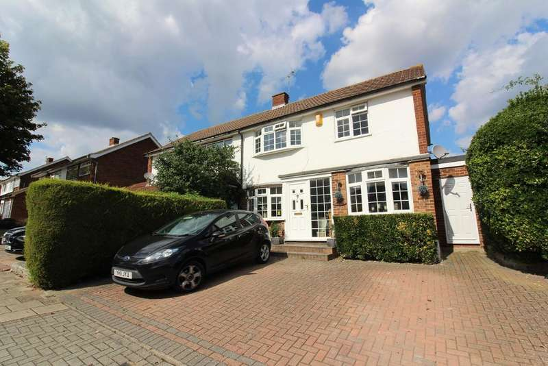 3 Bedrooms Semi Detached House for sale in Durrant Way, Farnborough, Kent, BR6 7EH