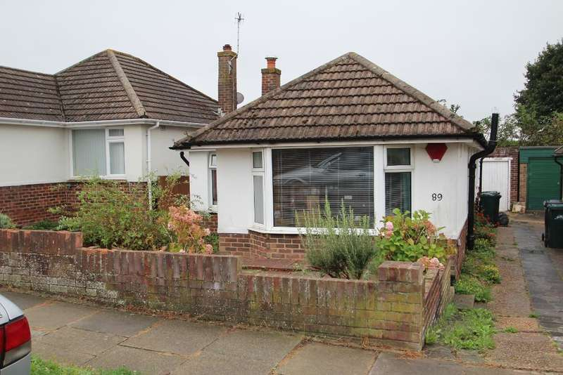 2 Bedrooms Bungalow for sale in Graham Crescent, Mile Oak, Portslade, East Sussex, BN41 2YA