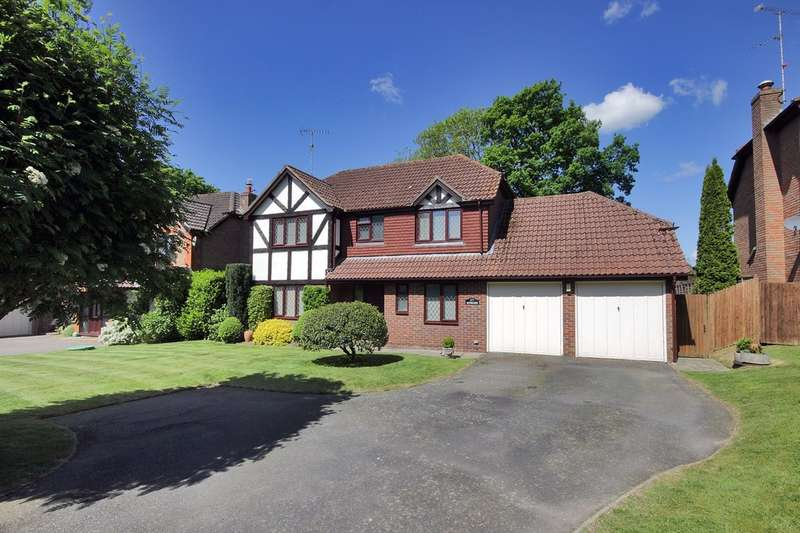 4 Bedrooms Detached House for sale in Winterpit Close, Mannings Heath