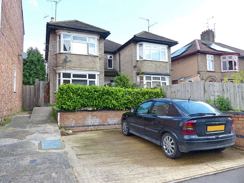 3 Bedrooms Semi Detached House for sale in Princes Street, Peterborough, Cambridgeshire. PE1 2QS