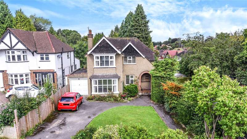 3 Bedrooms Detached House for sale in Oaklands Avenue, Oxhey Hall, Hertfordshire, WD19