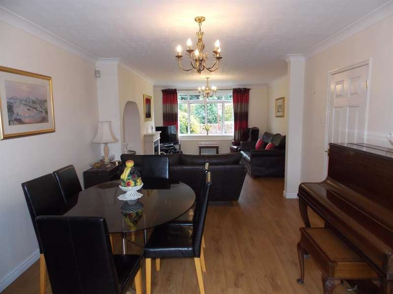 3 Bedrooms Semi Detached House for sale in The Crescent, Ormesby, Middlesbrough, TS7 9PF