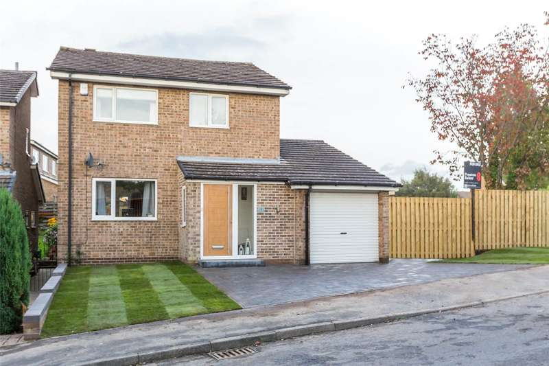3 Bedrooms Detached House for sale in Poynton Wood Glade, Sheffield, South Yorkshire, S17