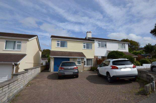 3 Bedrooms Semi Detached House for sale in Treglenwith Road, Camborne, Cornwall