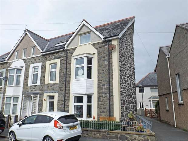 6 Bedrooms End Of Terrace House for sale in Northfield Road, Barmouth, Gwynedd