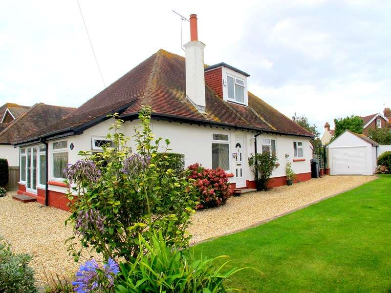 3 Bedrooms Chalet House for sale in Montserrat Road, Lee-On-The-Solent