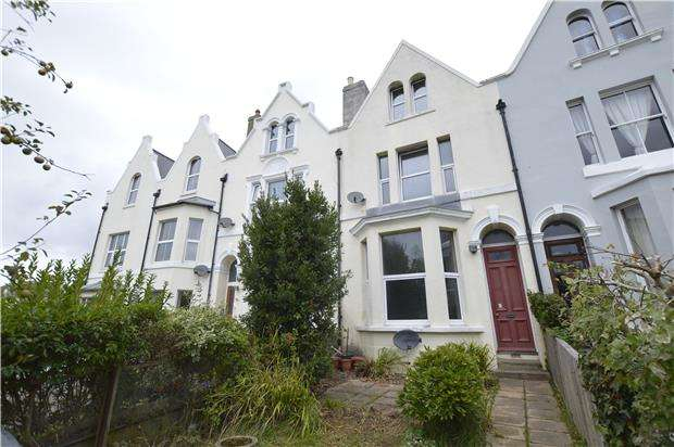 3 Bedrooms Terraced House for sale in Mount Pleasant Crescent, Hastings, TN34 3SG
