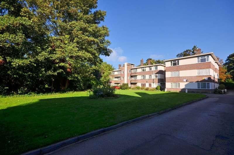 2 Bedrooms Flat for sale in Benhurst Court, Streatham Common, SW16