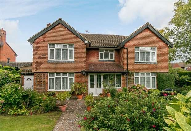 6 Bedrooms Detached House for sale in Chiltern Road, Sutton, Surrey