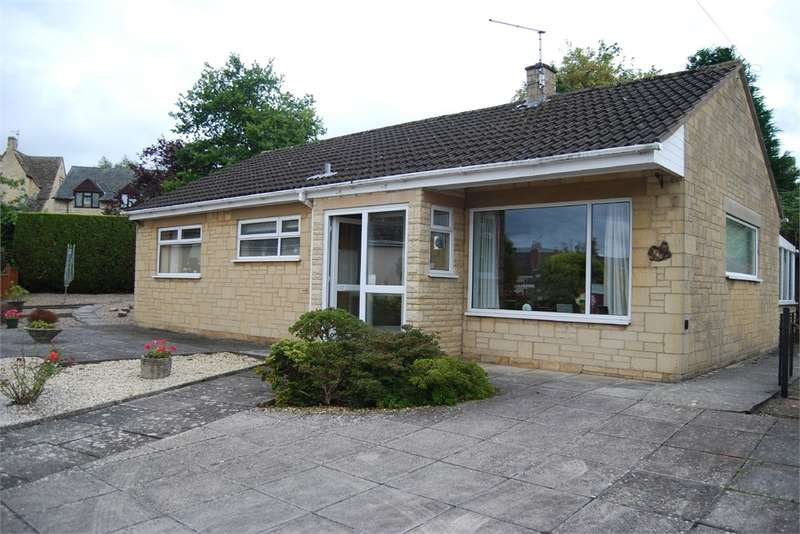 2 Bedrooms Detached Bungalow for sale in Castle Mead, King's Stanley, Gloucestershire