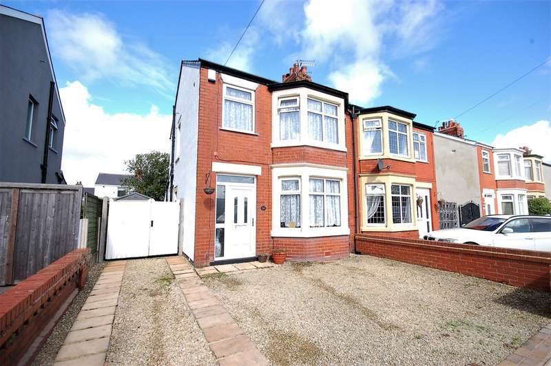 3 Bedrooms Semi Detached House for sale in Waltham Avenue, Blackpool