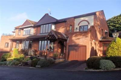 2 Bedrooms Property for rent in Queens Park Lower Heswall