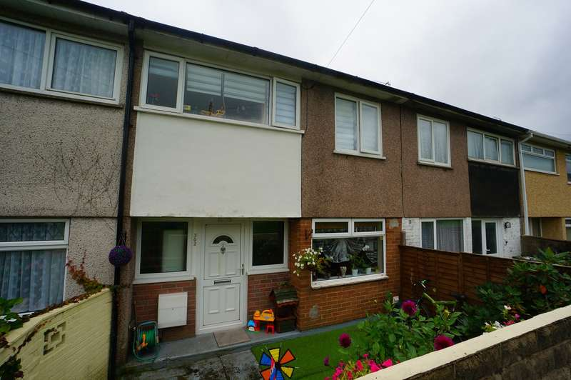 4 Bedrooms Terraced House for sale in Elm Drive, Risca, Newport, NP11