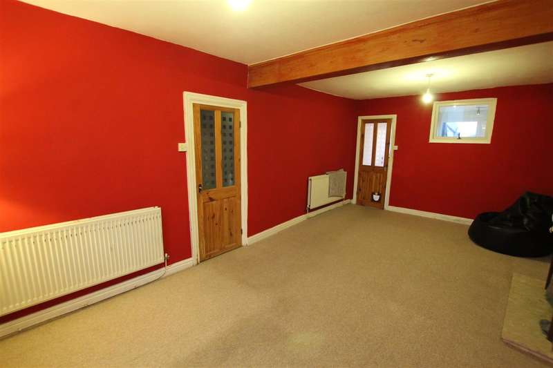 2 Bedrooms Terraced House for sale in Victoria Road, Preston