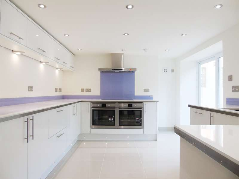 6 Bedrooms End Of Terrace House for sale in Church Avenue, Penarth