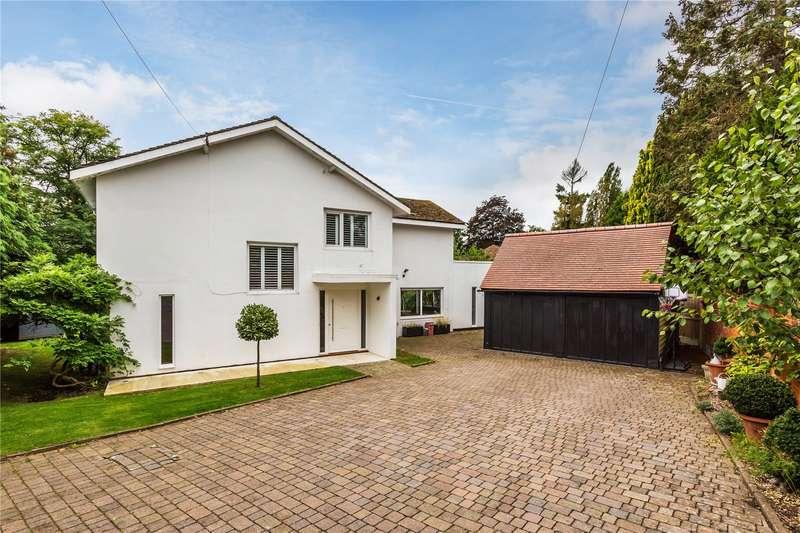 4 Bedrooms Detached House for sale in Duncroft Close, Reigate, Surrey, RH2