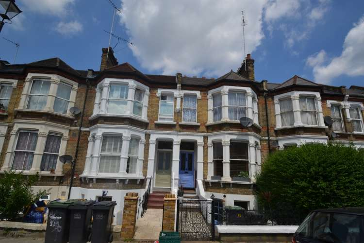 2 Bedrooms Flat for rent in Ommaney Road New Cross SE14