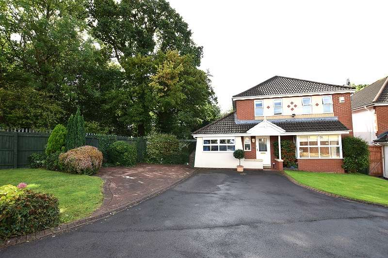 4 Bedrooms Detached House for sale in Ffordd Cwellyn , Penylan, Cardiff. CF23 5NB