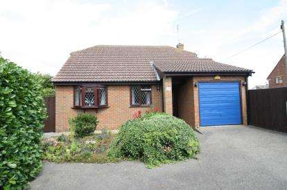 2 Bedrooms Bungalow for sale in Latchingdon, Maldon, Essex