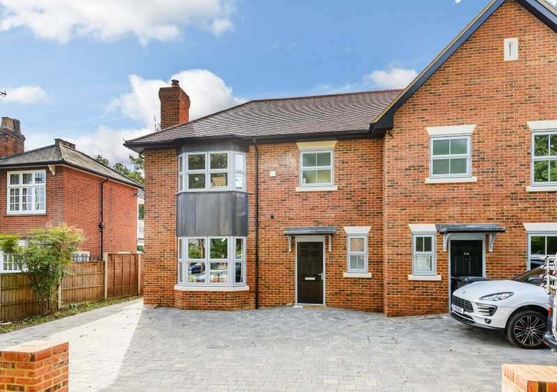 3 Bedrooms Semi Detached House for sale in Row Town