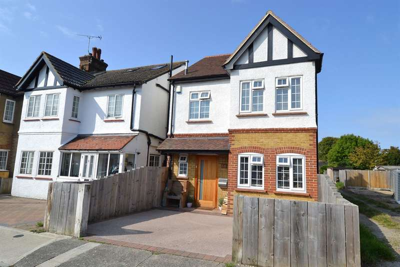 4 Bedrooms Detached House for sale in Ellis Road, Whitstable