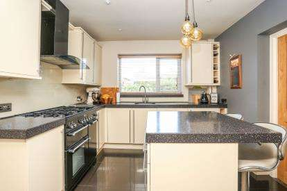 4 Bedrooms Semi Detached House for sale in Vesey Close, Water Orton, Birmingham, Warwickshire