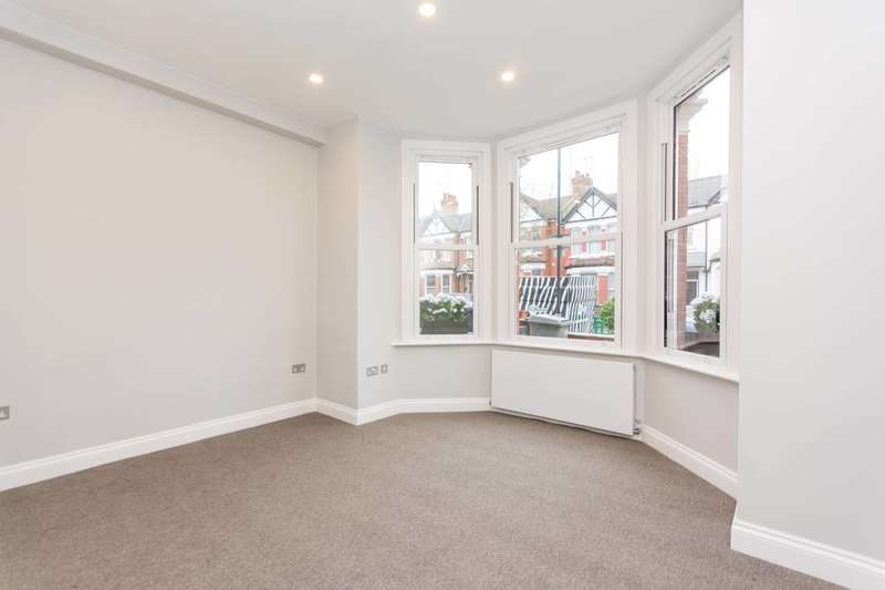 2 Bedrooms Flat for sale in Chandos Road, Willesden Green, NW2