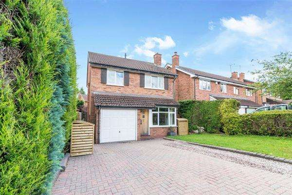 3 Bedrooms Semi Detached House for sale in St Marys Road, Little Haywood