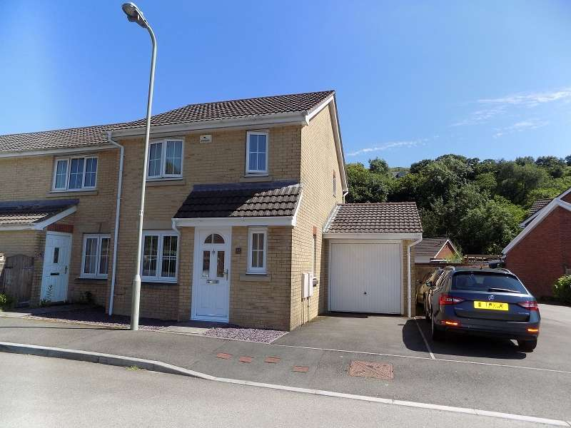 3 Bedrooms End Of Terrace House for sale in Cwm Felin , Blackmill, Bridgend. CF35 6EJ