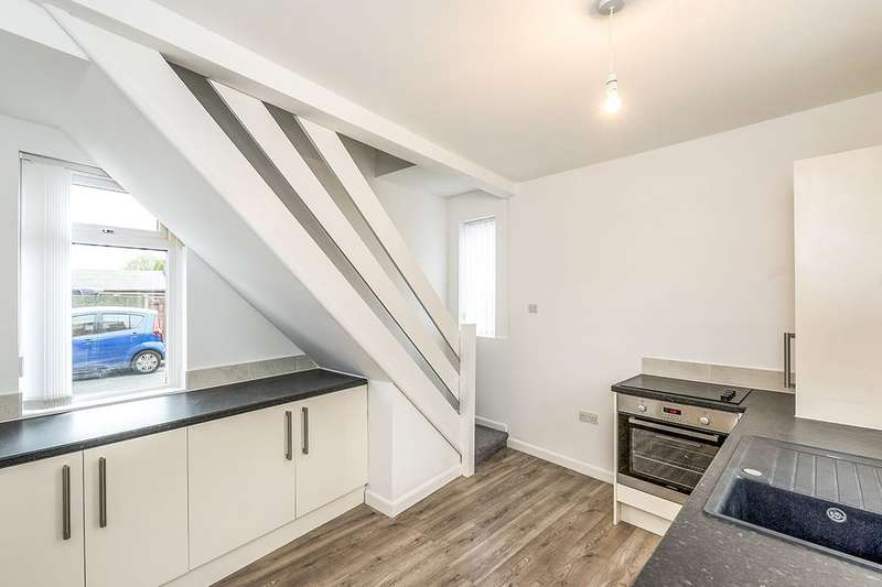 2 Bedrooms Detached House for sale in Valley Road, Wigan, WN5