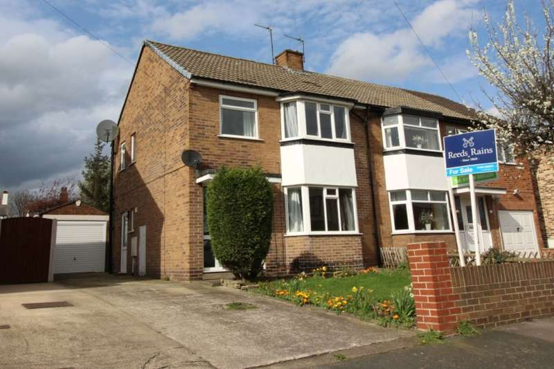 3 Bedrooms Semi Detached House for sale in The Grove, Normanton, WF6