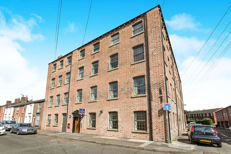 2 Bedrooms Flat for sale in Brown Street, Macclesfield, SK11