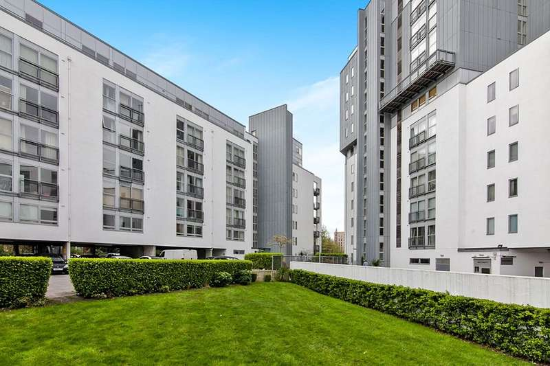 2 Bedrooms Flat for sale in Vie Building, 185 Water Street, Manchester, M3