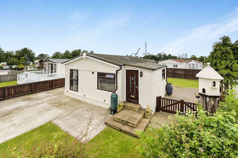 3 Bedrooms Detached Bungalow for sale in Kirby Misperton, Malton, YO17