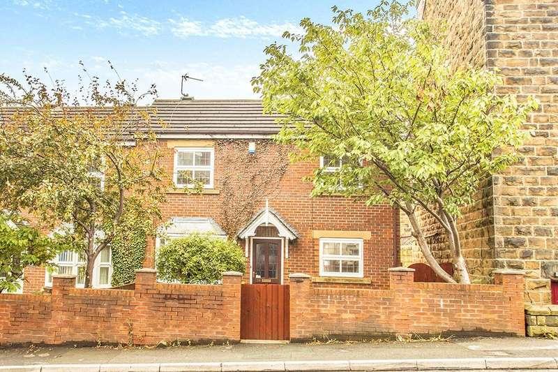 3 Bedrooms Semi Detached House for sale in Elland Road, Churwell,Morley, Leeds, LS27