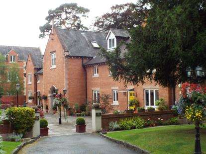 1 Bedroom Flat for sale in Norcliffe Hall Mews, Altrincham Road, Styal, Cheshire