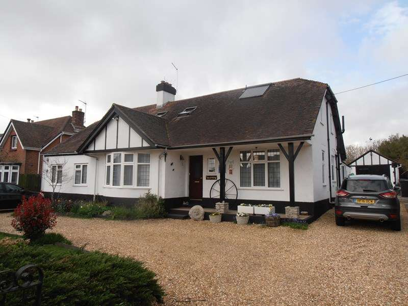 6 Bedrooms Chalet House for sale in Sandford Road, Wareham
