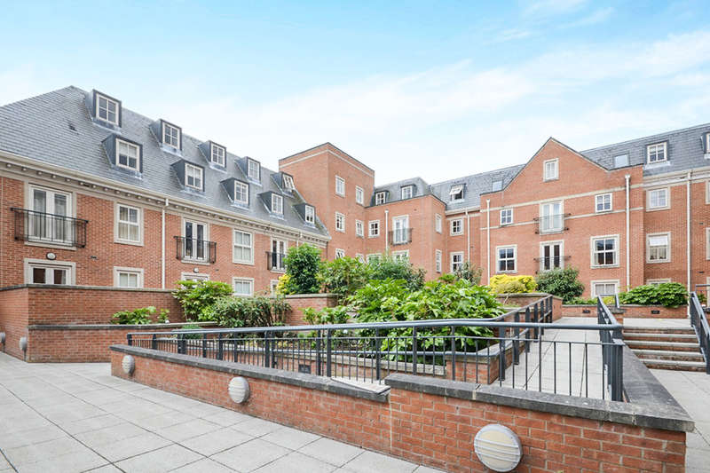 2 Bedrooms Flat for sale in Centurion Square Skeldergate, York, YO1