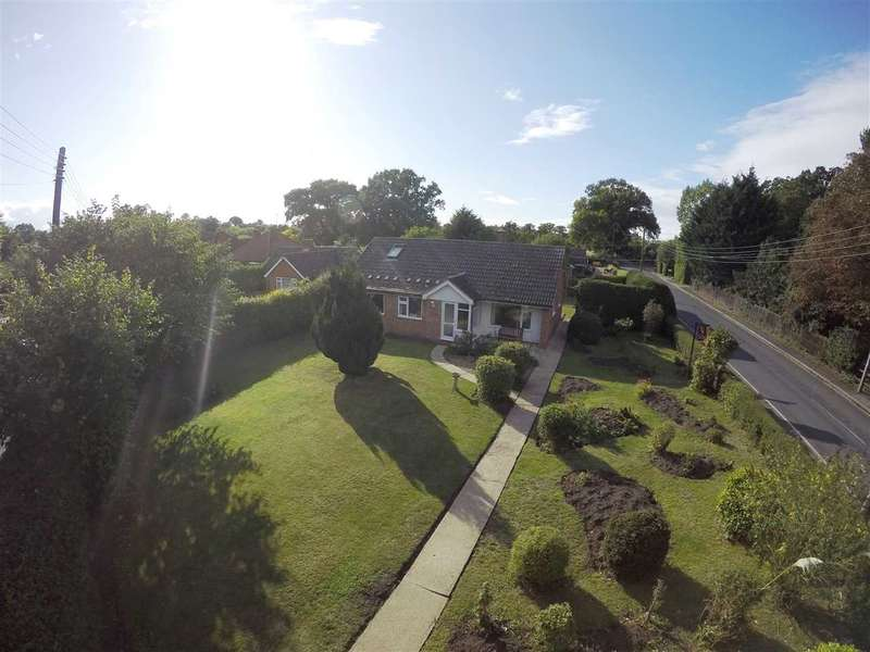 4 Bedrooms Detached Bungalow for sale in Westerfield Road, Westerfield, Ipswich, Suffolk, IP6 9AG