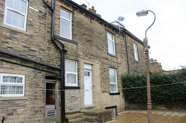 2 Bedrooms Terraced House for sale in Quarry Street, Bradford, West Yorkshire