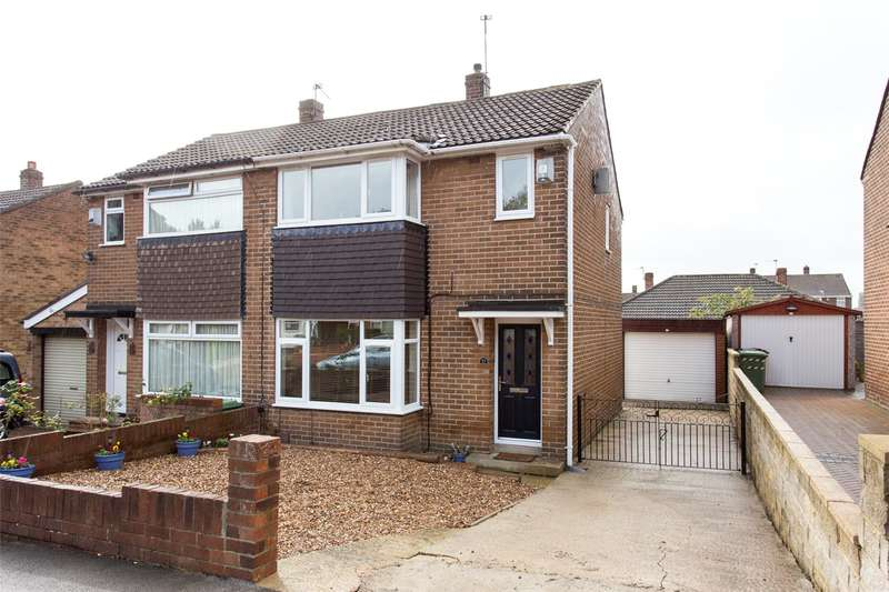 3 Bedrooms Semi Detached House for sale in Spring Valley Close, Leeds, West Yorkshire, LS13
