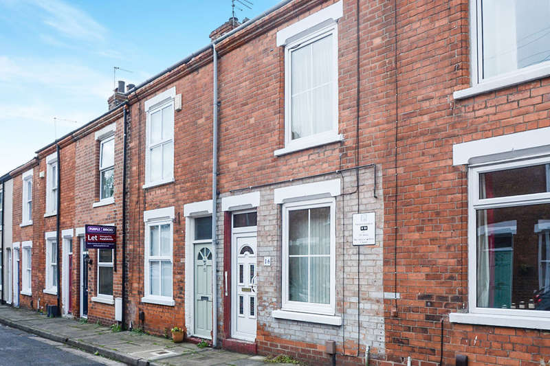 2 Bedrooms Terraced House for sale in Smales Street, York, YO1