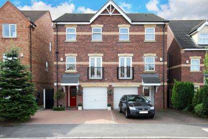 3 Bedrooms Semi Detached House for sale in Fewston Way, Doncaster