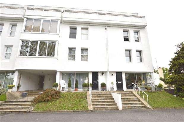 3 Bedrooms Flat for sale in Bleasby Gardens, Lansdown Rd, CHELTENHAM, GL51 6UL