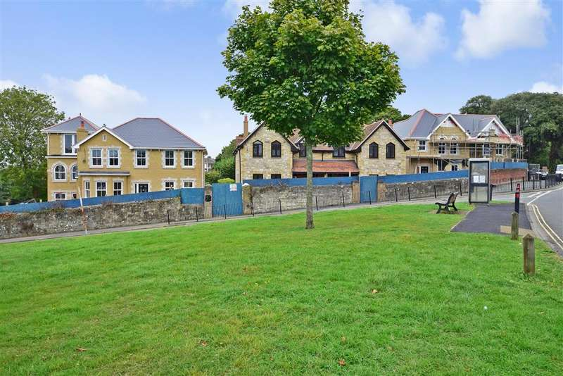4 Bedrooms Detached House for sale in Great Preston Road, Ryde, Isle of Wight